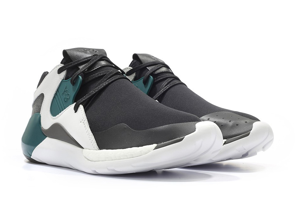 best sneakers 52362 7e9ae 90年代配色上身adidas Y-3 QR Run Boost新色亮相