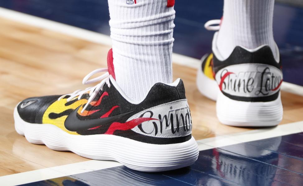 f2cffa599b1 Clint Capella —— Nike Hyperdunk 2017. Wayne Ellington —— Air Jordan XIII Low  UNC
